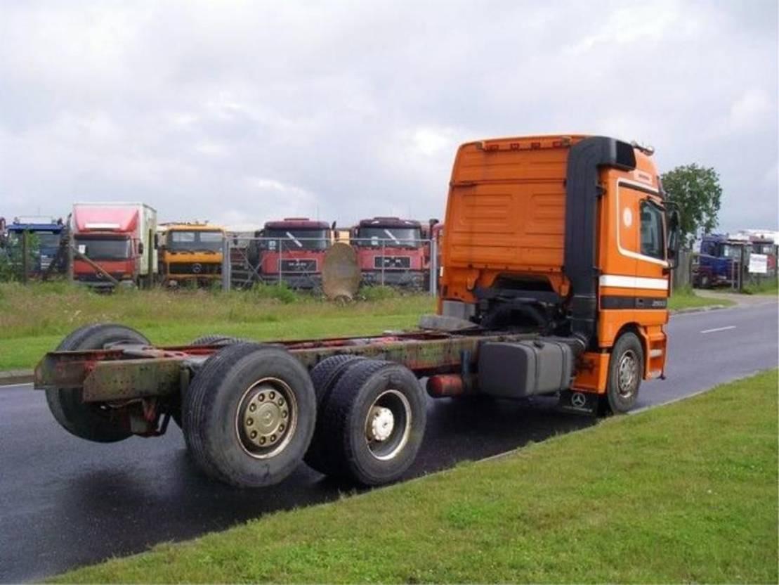 chassis cabine vrachtwagen Mercedes-Benz ACTROS 2553 L 6X2 MEGA SPACE. 1999