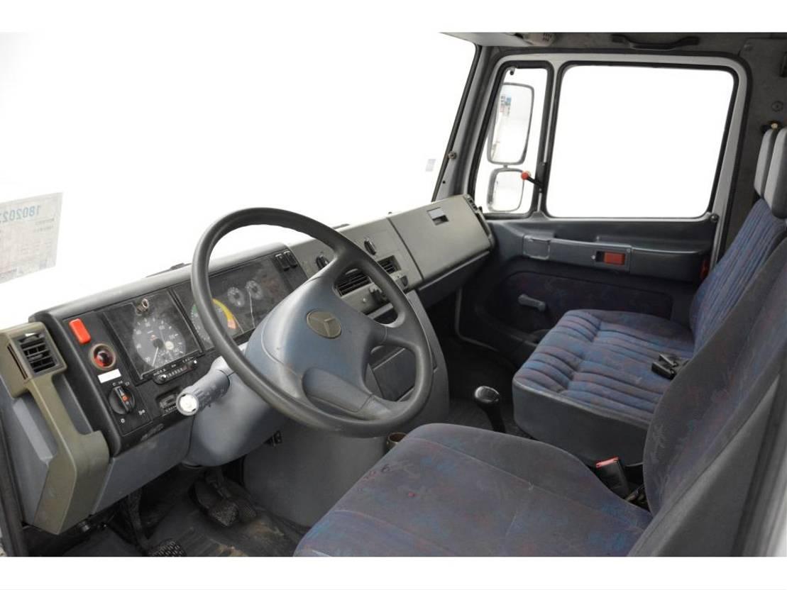 autotransporter vrachtwagen Mercedes-Benz Vario 814D 2000