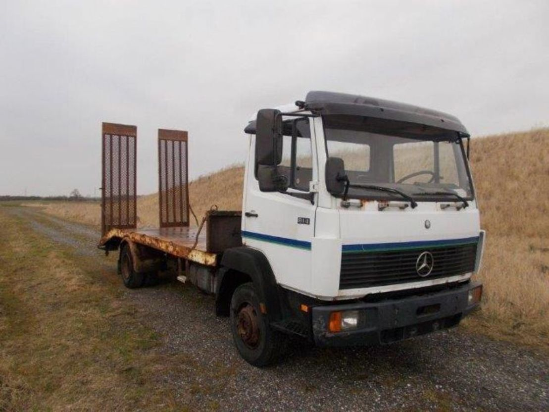 autotransporter vrachtwagen Mercedes-Benz LN 814. 4X2