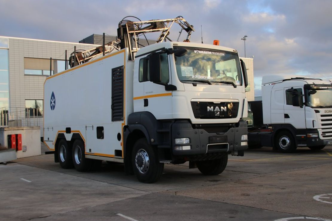 chassis cabine vrachtwagen MAN TGS 33 BB -6X6 (only in chassis ) 2012