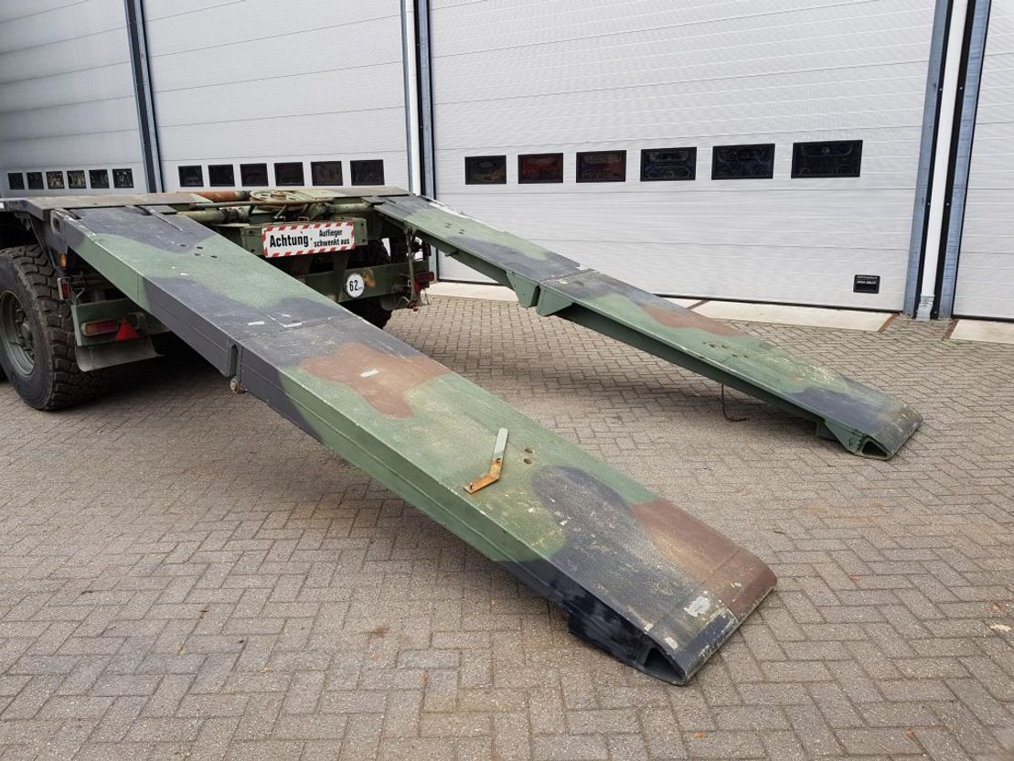 semi dieplader oplegger KAESSBOHRER SLT50