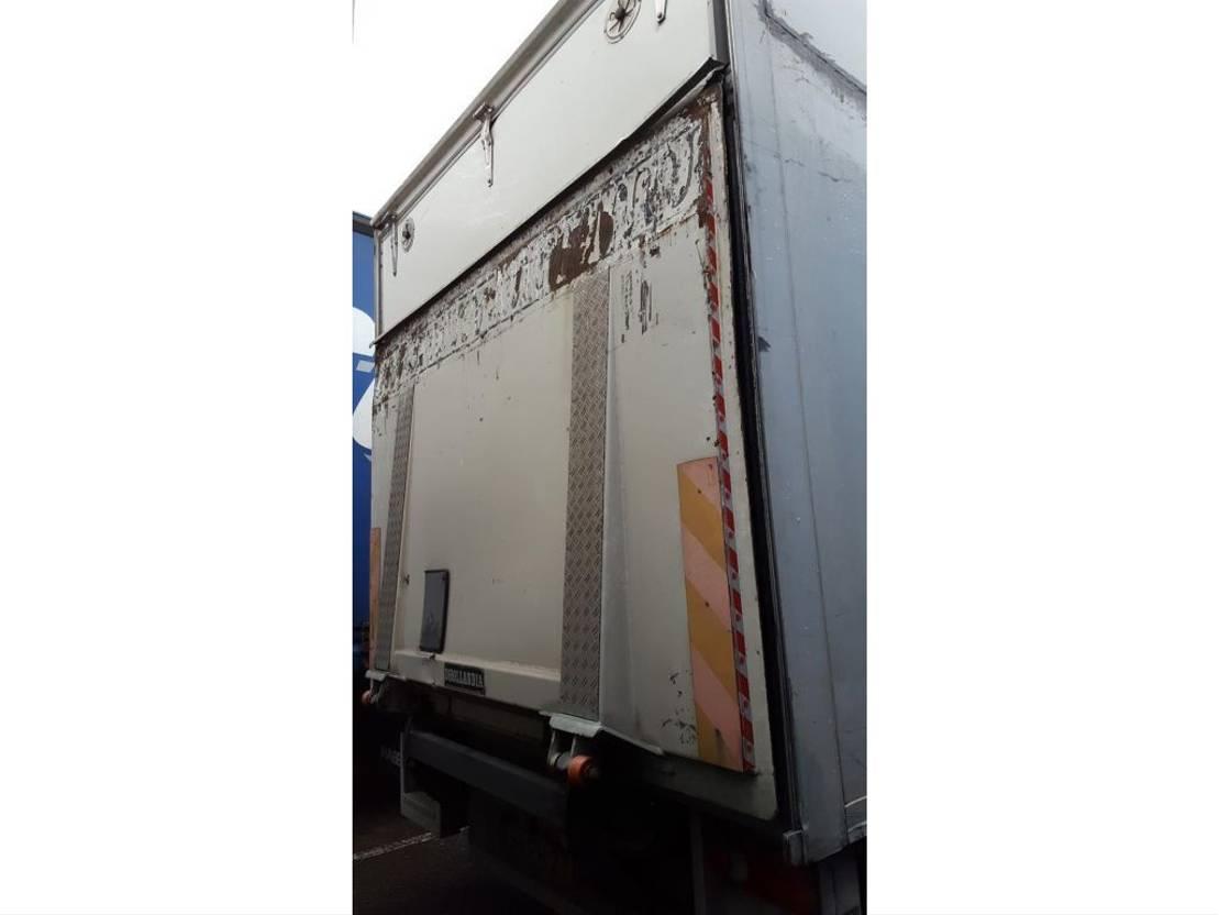 koelwagen vrachtwagen DAF AE55CF 2006