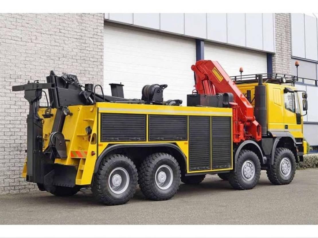 takelwagen-bergingswagen-vrachtwagen Iveco EUROTRAKKER MP410E42