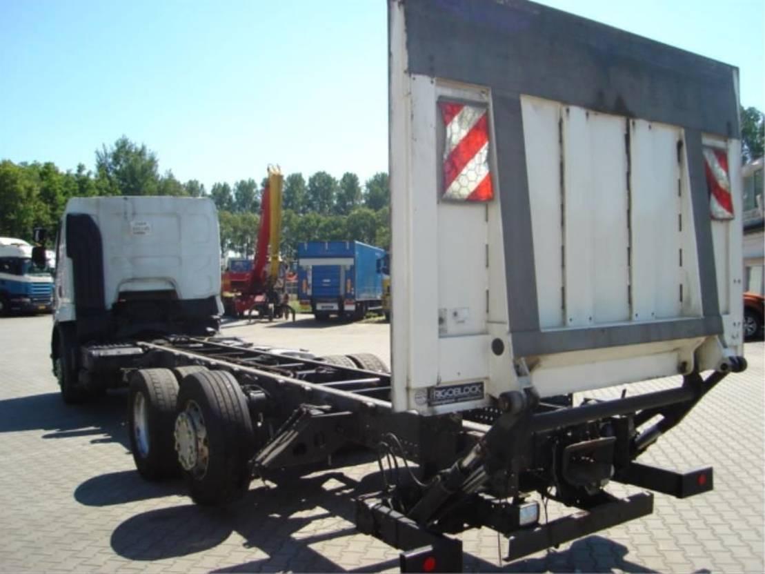 chassis cabine vrachtwagen Renault PREMIUM.380 DXI.EEV 2011