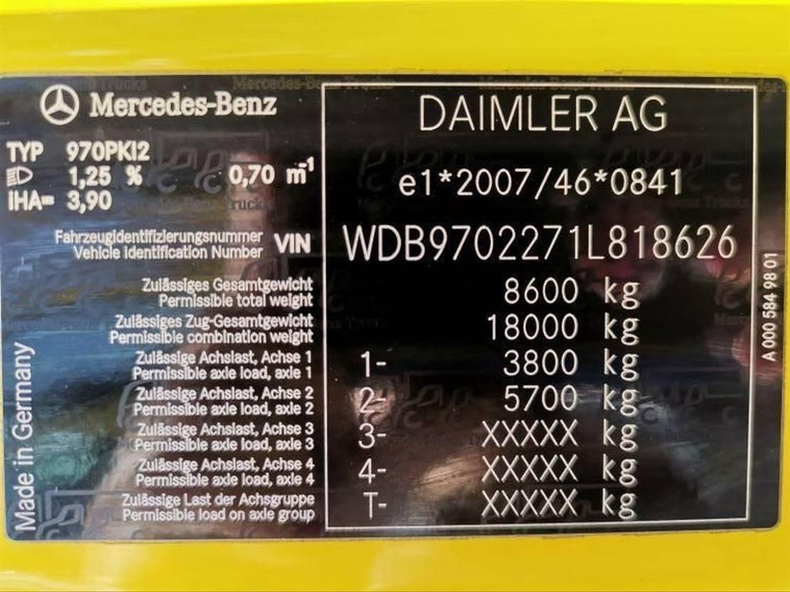 autotransporter vrachtwagen Mercedes Benz Atego 822 4x2 BL / 2 Autos / Euro 5 2014