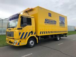 takelwagen-bergingswagen-vrachtwagen MAN Luchtkussen voertuig 2006