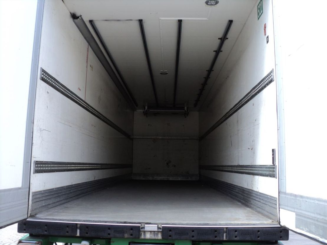 koelwagen vrachtwagen DAF CF 250 75 pk koelwagen 2007