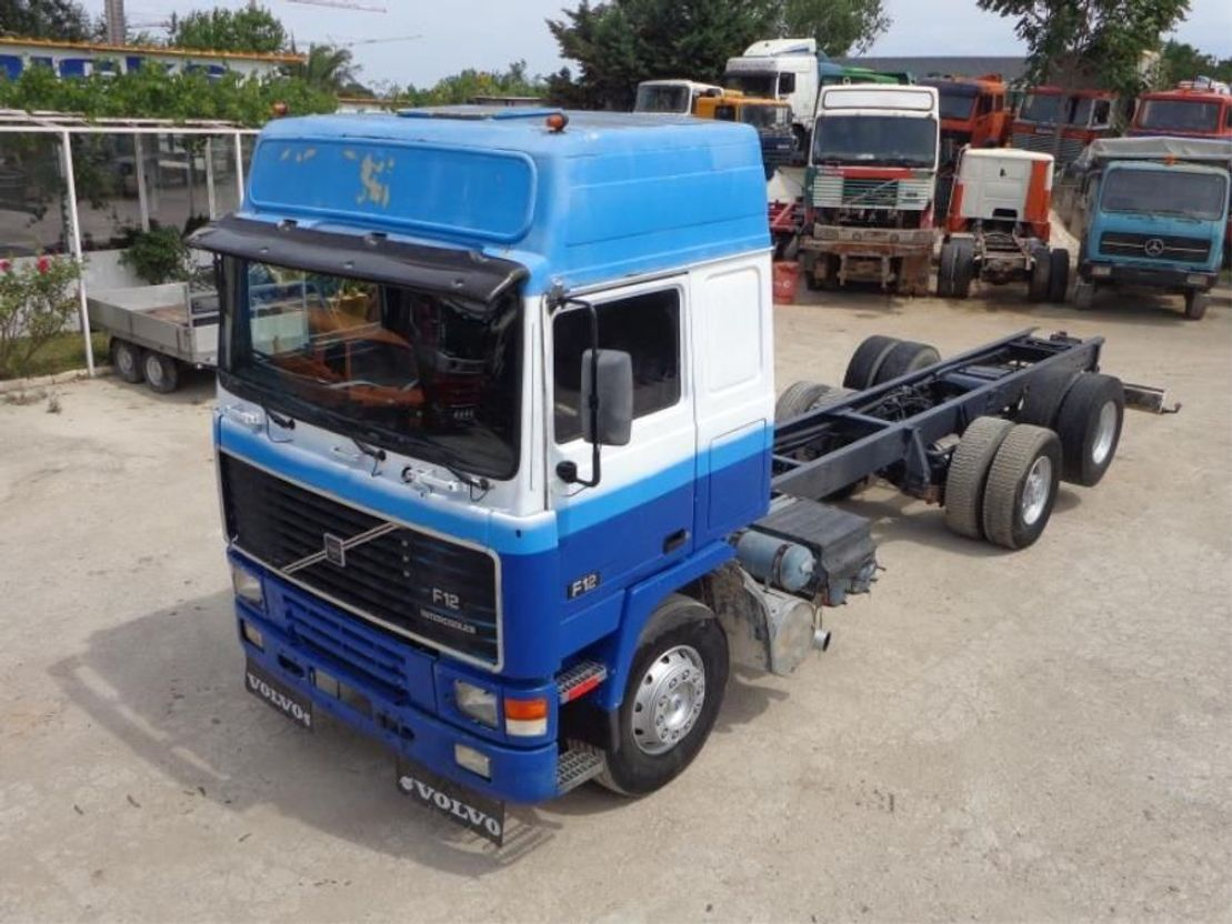 chassis cabine vrachtwagen Volvo F 12 VOLVO F12(6X2) GLOBETROTTER 1991