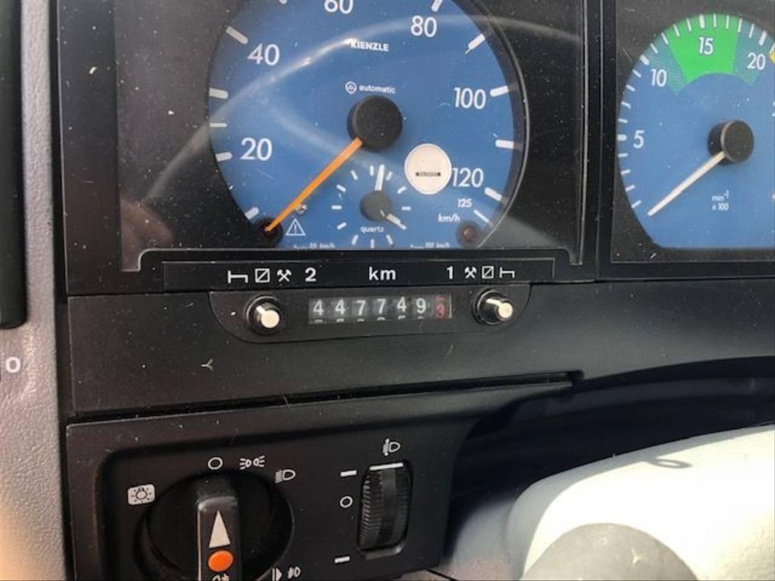 paardenvrachtwagen Mercedes-Benz ATEGO 917 3 PAARDS 1998
