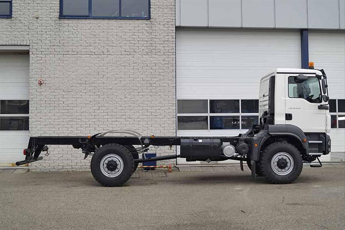 chassis cabine vrachtwagen MAN TGM 18 BB 4X4 CHASSIS CABIN RHD