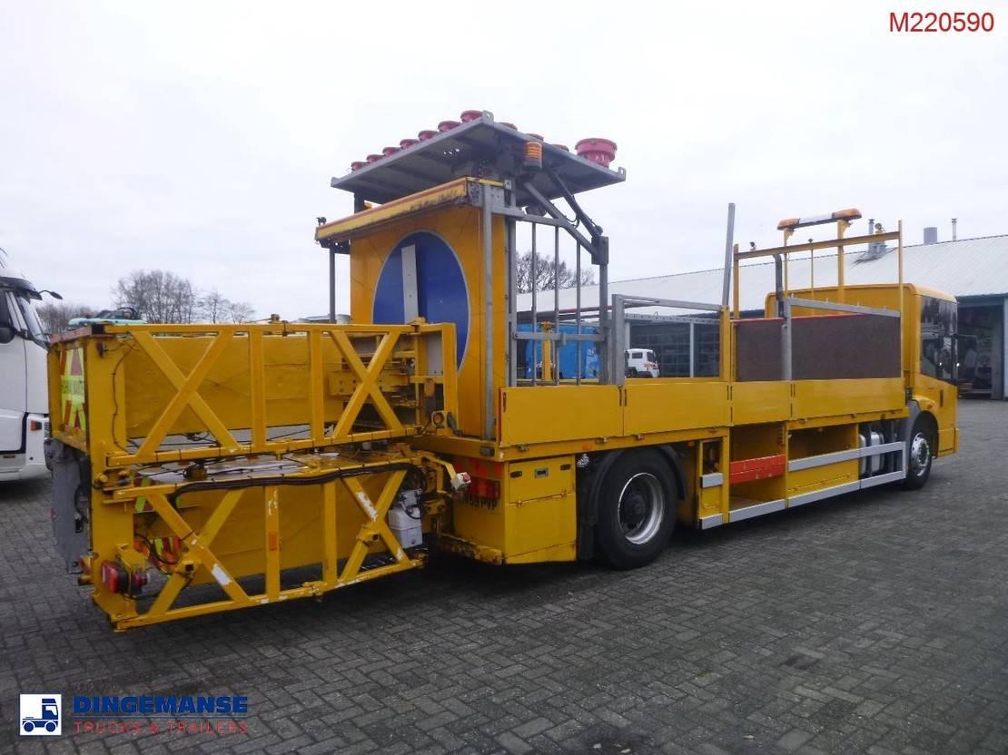 chassis cabine vrachtwagen Mercedes-Benz 1824 LL 4x2 RHD traffic service truck 2009