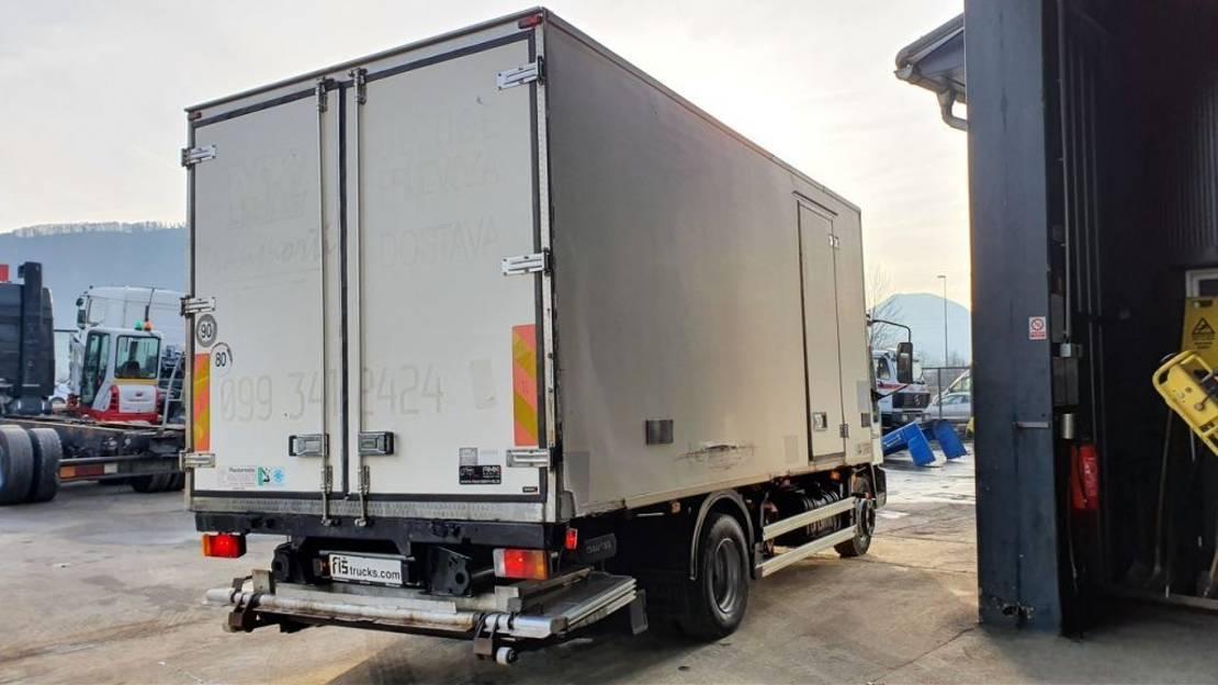 koelwagen vrachtwagen Iveco EUROCARGO ML120EL21 4x2 fridge + ramp 2003