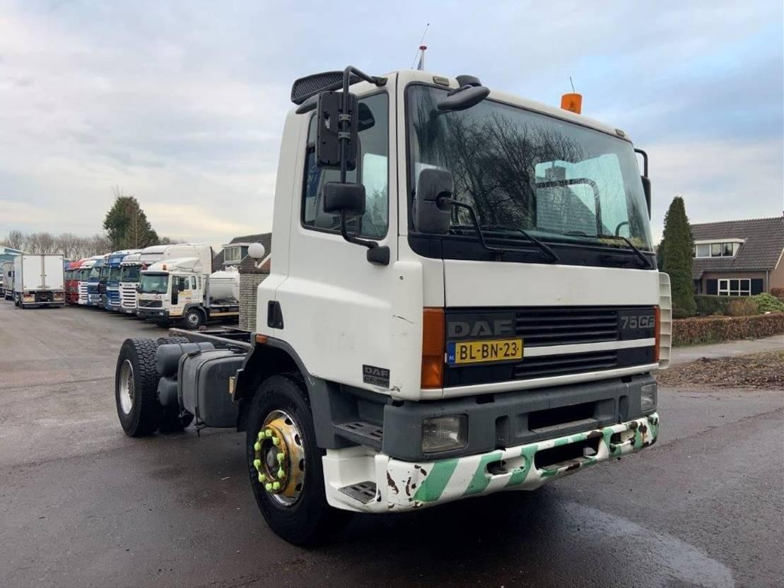 chassis cabine vrachtwagen DAF CF 75 75CF 250 euro 2 STEEL SPRING 2001