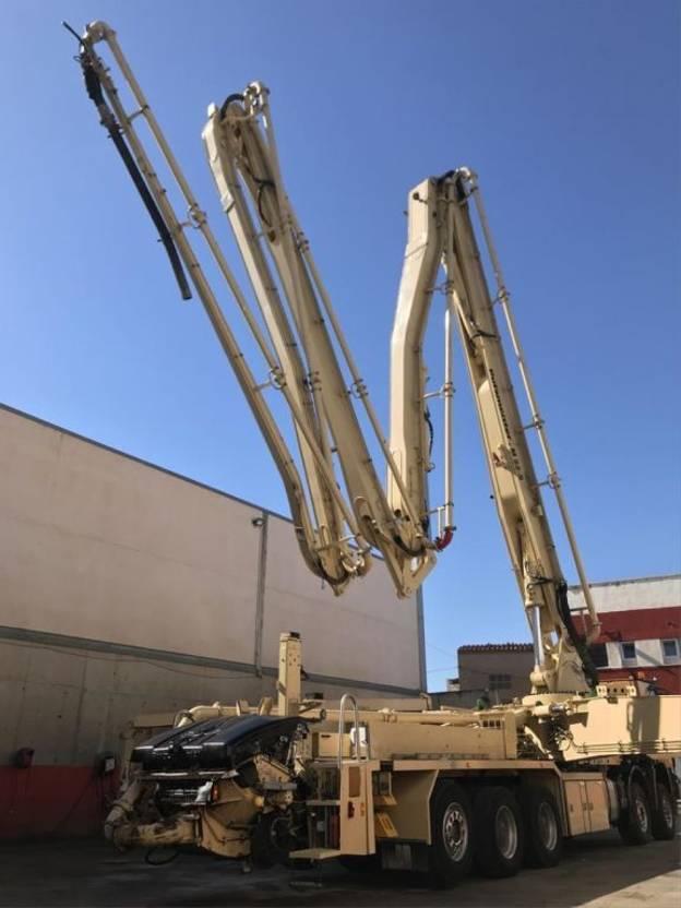 betonpomp vrachtwagen Diversen Actros 5051 Bomba de hormigón Putzmeister 52-5 BSF 2009