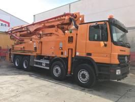 betonpomp vrachtwagen Mercedes-Benz Actros 3241 Putzmeister BSF 42-5.16 Hls 2007