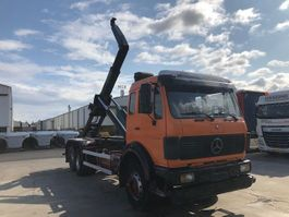 containersysteem vrachtwagen Mercedes-Benz 2235 1990