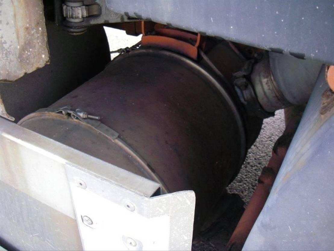 platform vrachtwagen Volvo FH12 TRUCK WITH  PLATFORM