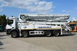 betonpomp vrachtwagen Mercedes Benz Arocs 4451 SERMAC 5Z42 SuperLight*42m*Europäisch
