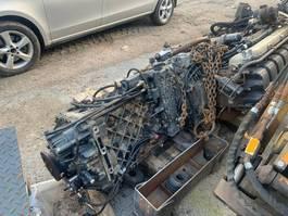 Motor vrachtwagen onderdeel Renault DC11 moottori  sekä ZF vaihteisto