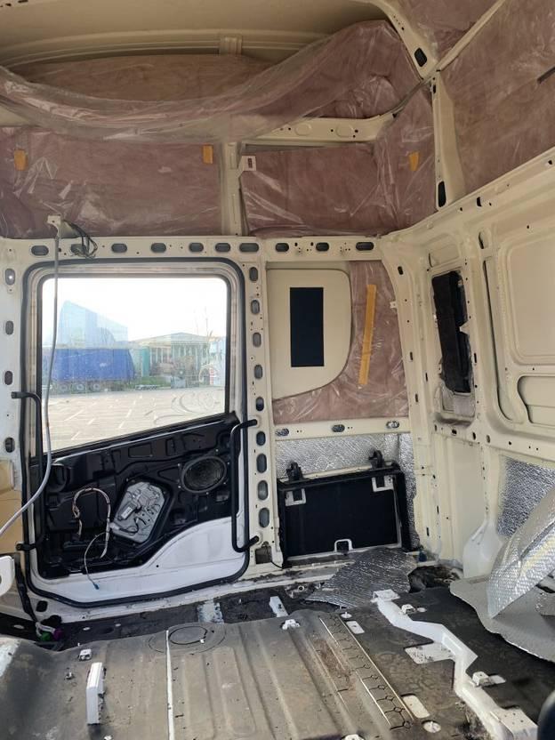 Cabine vrachtwagen onderdeel Scania Topline cabine 2013
