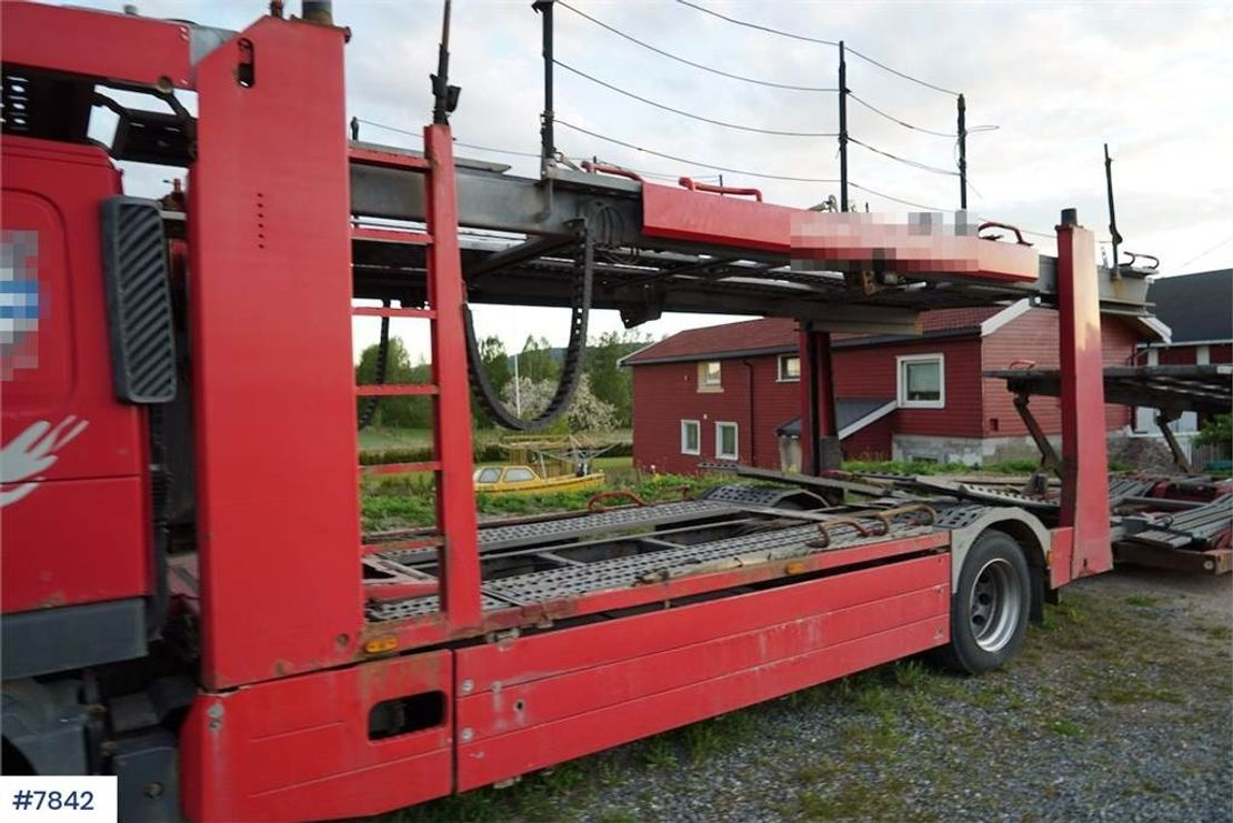 autotransporter vrachtwagen Volvo car carrier with Kassbohrer trailer 2010