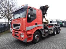 houttransporter vrachtwagen Iveco STRALIS 260S54 6X4 LIV 24.93 KRAN 2005