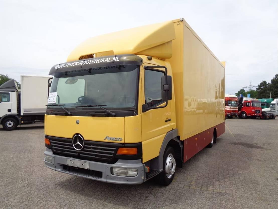 paardenvrachtwagen Mercedes-Benz Atego 817 + manual + euro 2 2001