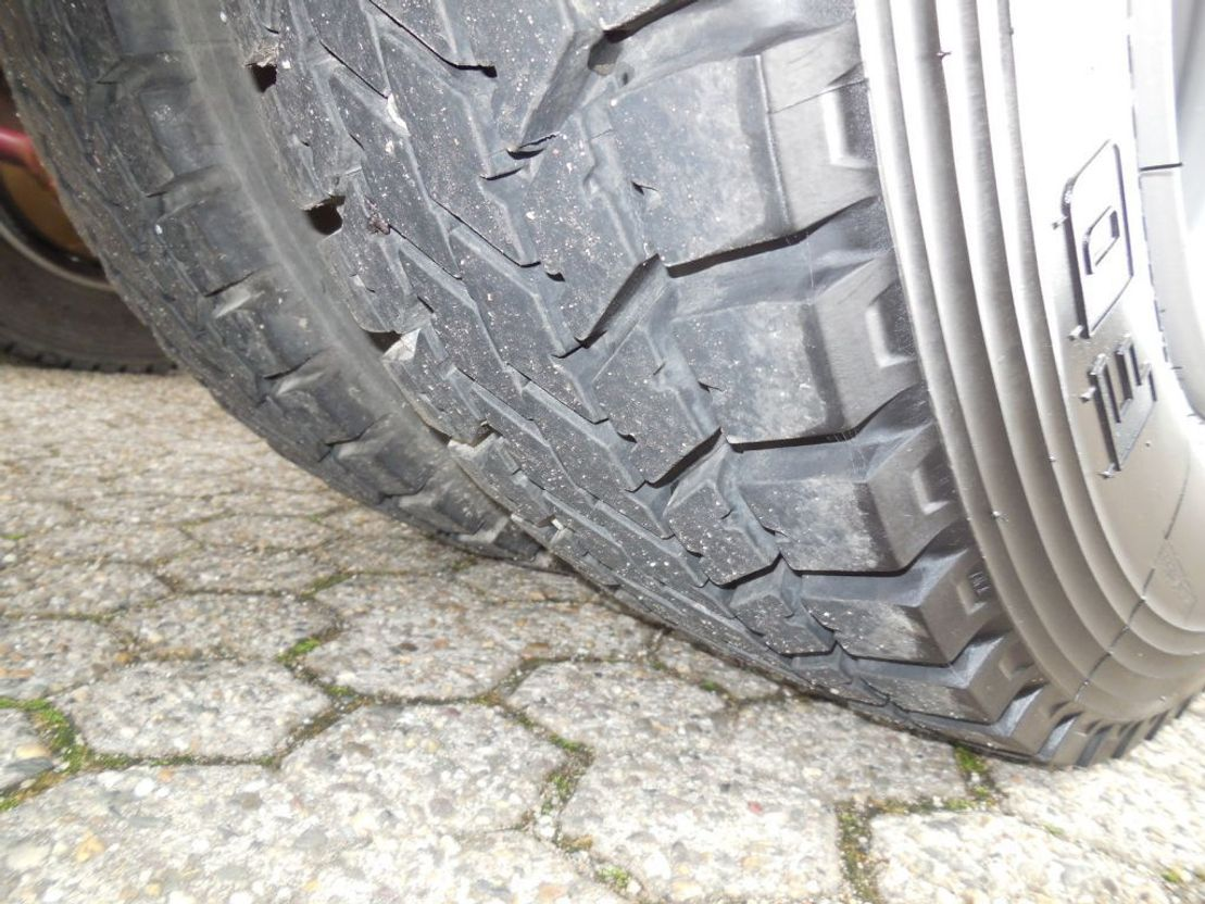 autotransporter vrachtwagen Renault 40ACC5 Autotransporter 3 Platze guten zustand