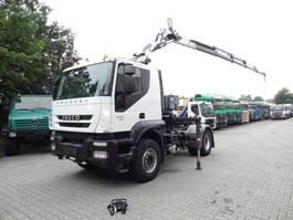 standaard trekker Iveco TRAKKER 410 mit COPMA 16 T/M Kran 2012