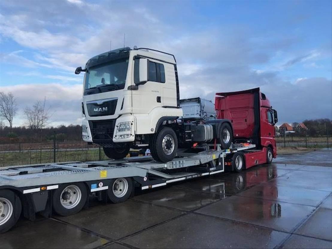 semi dieplader oplegger Kässbohrer TRUCK TRANSPORTER 2019