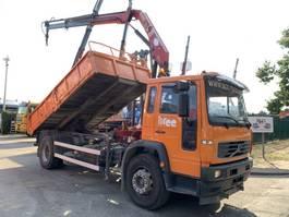 camion à benne basculante > 7.5 t Volvo FL 220 - 19T TIPPER + CRANE HMF 910 (2x) + ROTATOR - STEEL SPRING / SUSP... 2005