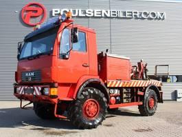 takelwagen-bergingswagen-vrachtwagen MAN 10-225 2004