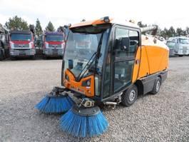 Veegmachine vrachtwagen Hako Johnston CN201 Kehrmaschine 2014