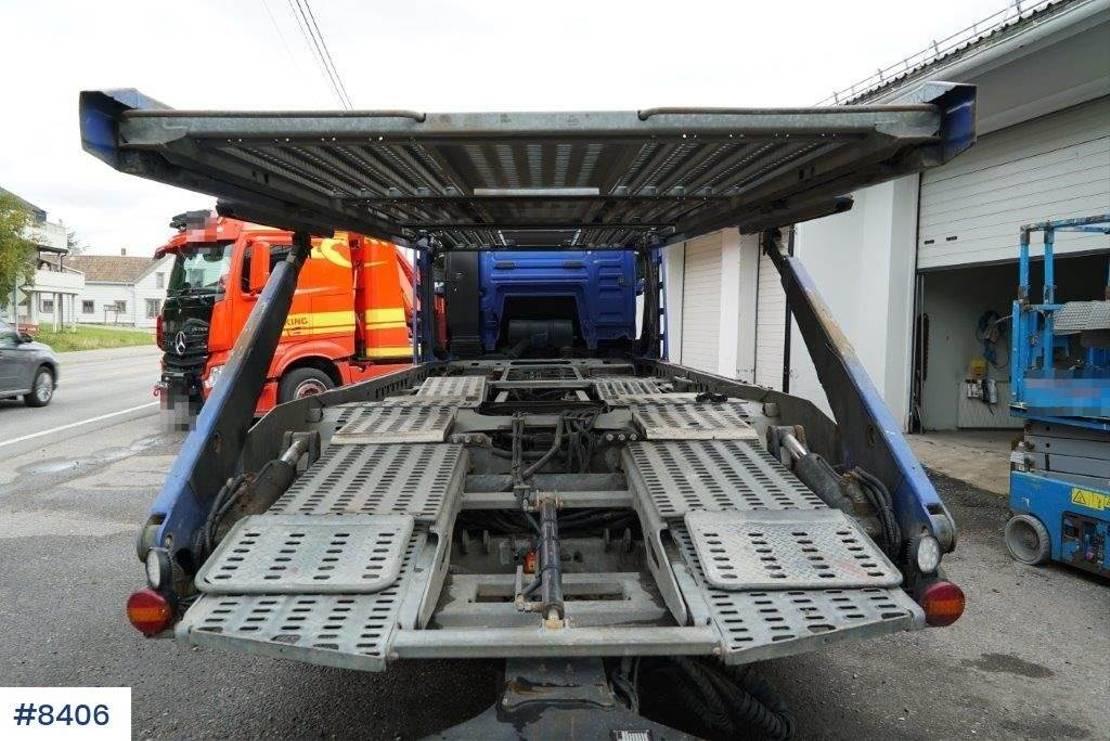 autotransporter vrachtwagen MAN car transporter with trailer 2009