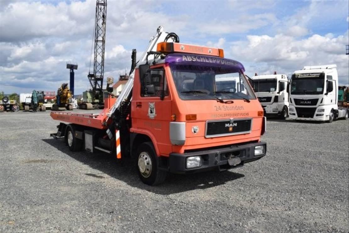 autotransporter vrachtwagen MAN L 8.150 / Ladekran / Brille / Schiebeplateau 1991