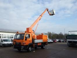 autohoogwerker bedrijfswagen MAN LE 180 C Wumag WT 170 Hubsteiger wie Ruthmann Hu 2002