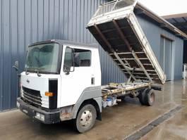 kipper vrachtwagen > 7.5 t Nissan T135 / 7500kgs  ***131000km*** 1997