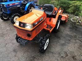 standaard tractor landbouw Kubota B40 met frees