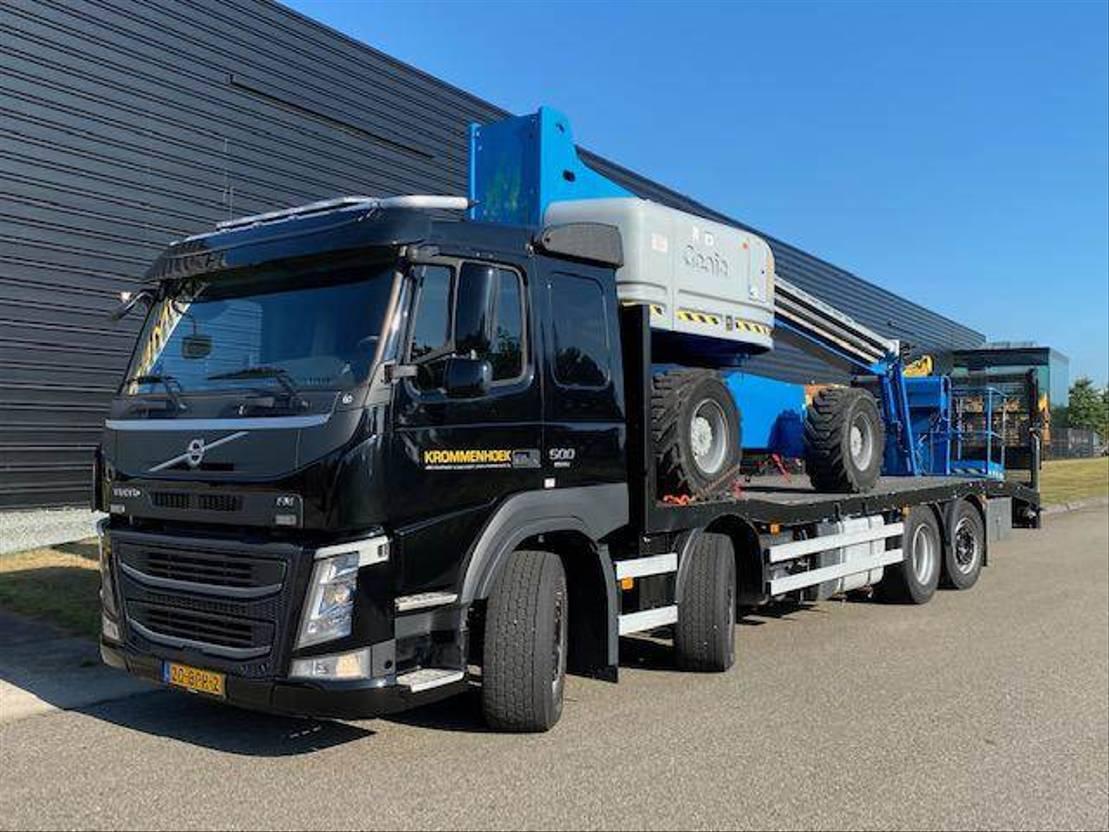 autotransporter vrachtwagen Volvo FM 500 8x2 | Machine transporter 2016
