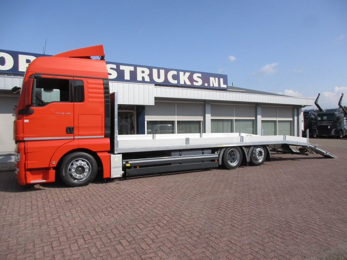 autotransporter vrachtwagen MAN TGA 26.400 6X2 Autotransporter Euro 5 2011