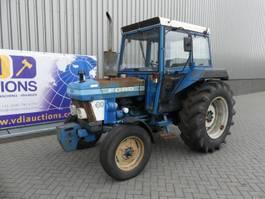 standaard tractor landbouw Ford 3910