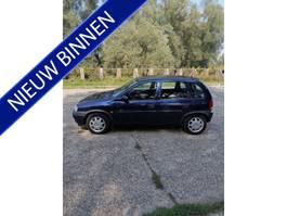 hatchback auto Opel Corsa 1.2i-16V CDX LAGE KM-STAND!! 1999