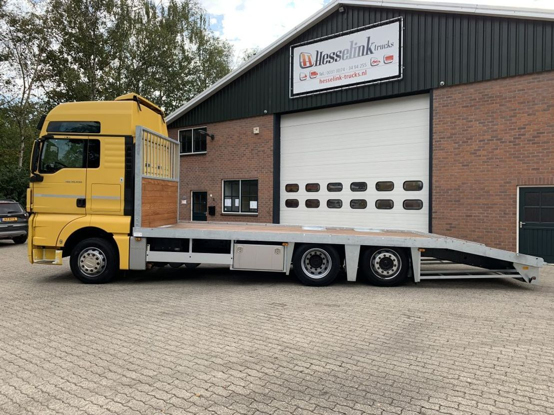 autotransporter vrachtwagen MAN TGX 26.440 6X2 Nieuwe oprijbak 7.8M Liftas EURO 5 / EEV 2011