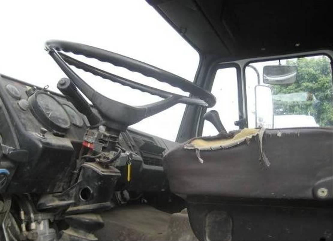 betonpomp vrachtwagen Mercedes-Benz SK 1989