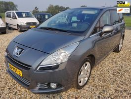 mpv auto Peugeot 5008 1.6 Blue Lease Executive, 7 Persoons, Rood leer, apk Sept. 2021,PAN... 2011