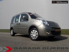 mpv auto Renault Kangoo, Familie 1,6 16V 90 Pk 2x Schuifd AC 4 Se 2010