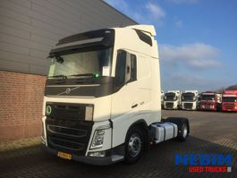 mega-volume trekker Volvo FH420 4X2 EURO 6 X-LOW - GLOBETROTTER 2015