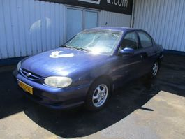 sedan auto Kia 1.5 2000