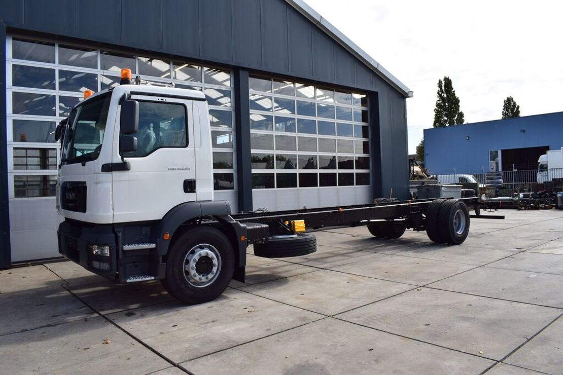 chassis cabine vrachtwagen MAN TGM 18 BL 4×2 CHASSIS – CABIN NEW 2020 / EURO 3 – 280 HP 2020