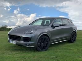 suv wagen Porsche Cayenne S 4,2 V8 diesel Cayenne s 4x4 2016